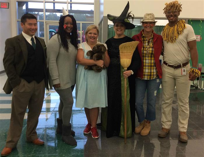 DRESS LIKE YOUR FAVORITE BOOK CHARACTER!